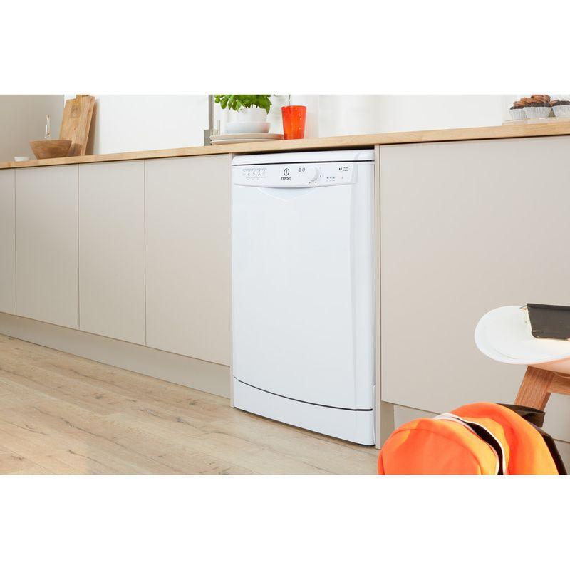 Indesit-Dishwasher-Free-standing-DFG-15B1-UK-Free-standing-A-Lifestyle-perspective