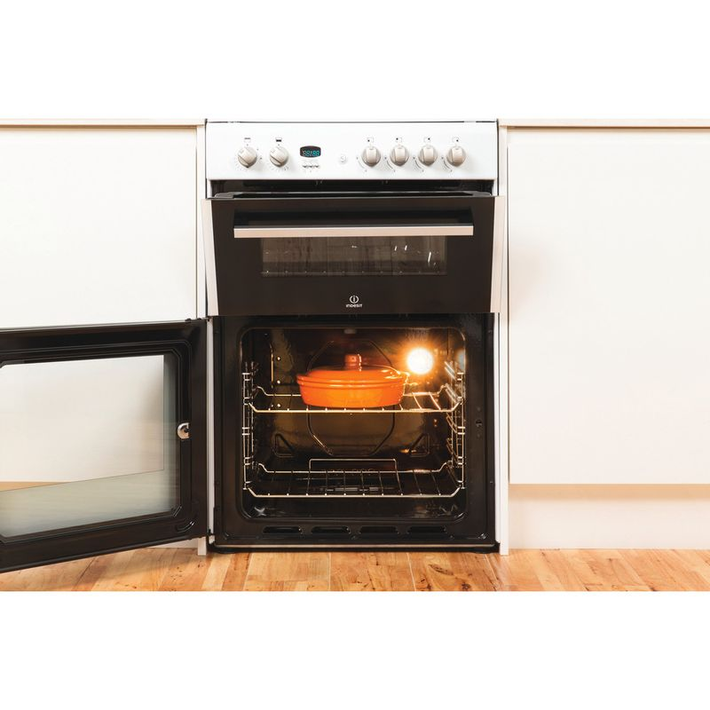 Indesit-Double-Cooker-DD60G2CG-W--UK-White-A--Enamelled-Sheetmetal-Lifestyle_Frontal_Open