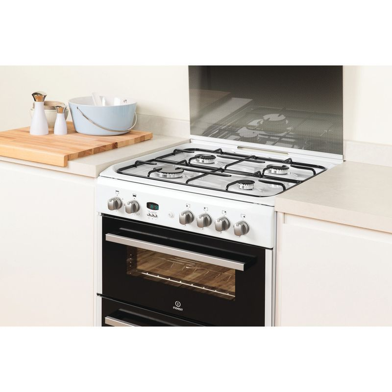Indesit-Double-Cooker-DD60G2CG-W--UK-White-A--Enamelled-Sheetmetal-Lifestyle_Perspective
