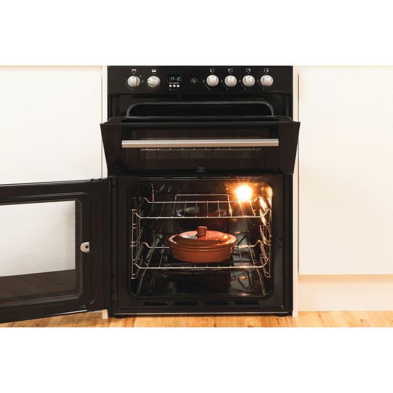 Indesit-Double-Cooker-DD60G2CG-K--UK-Black-A--Enamelled-Sheetmetal-Lifestyle_Frontal_Open