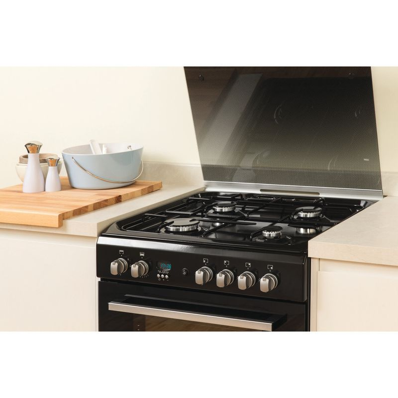 Indesit-Double-Cooker-DD60G2CG-K--UK-Black-A--Enamelled-Sheetmetal-Lifestyle_Perspective