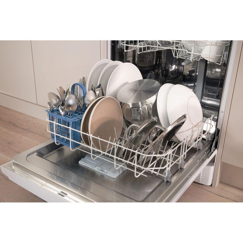 Indesit-Dishwasher-Free-standing-DFGL-17B19-UK-Free-standing-A-Lifestyle-detail