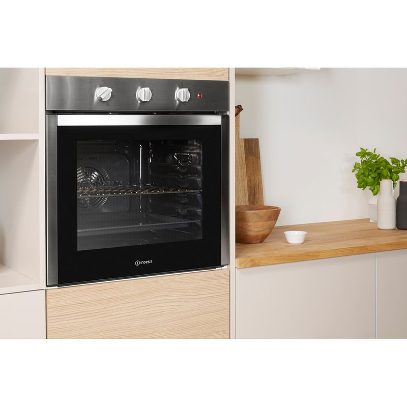 Indesit-OVEN-Built-in-DFW-5530--IX-UK-Electric-A-Lifestyle-perspective