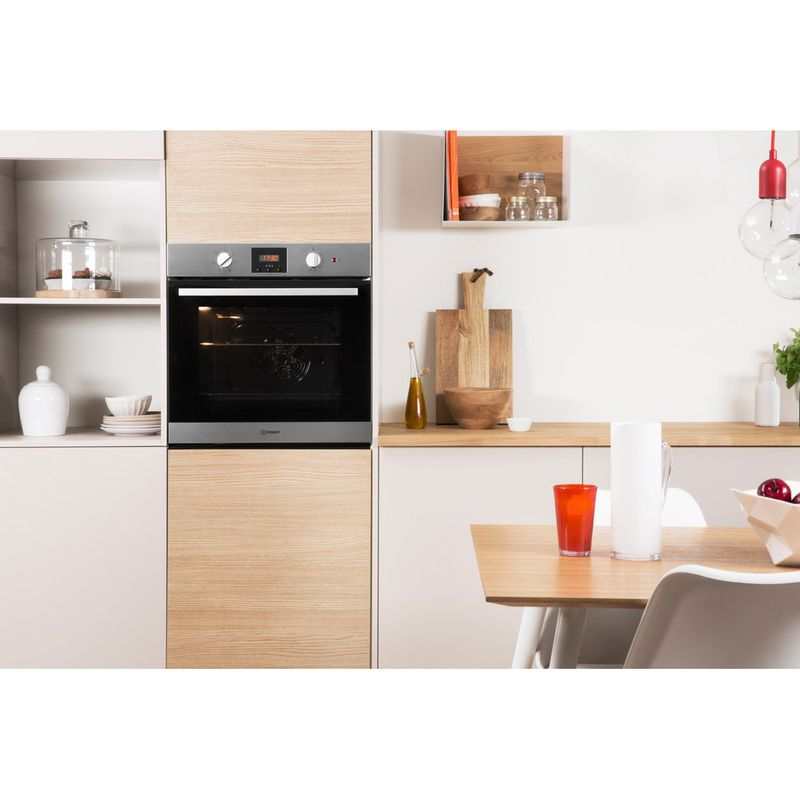 Indesit-OVEN-Built-in-IFW-65Y0-IX-UK-Electric-A-Lifestyle_Frontal