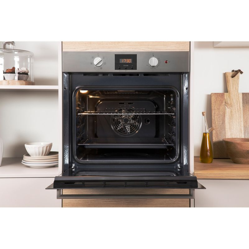 Indesit-OVEN-Built-in-IFW-65Y0-IX-UK-Electric-A-Lifestyle_Frontal_Open
