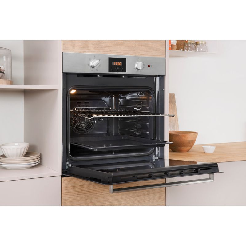 Indesit-OVEN-Built-in-IFW-65Y0-IX-UK-Electric-A-Lifestyle_Perspective_Open