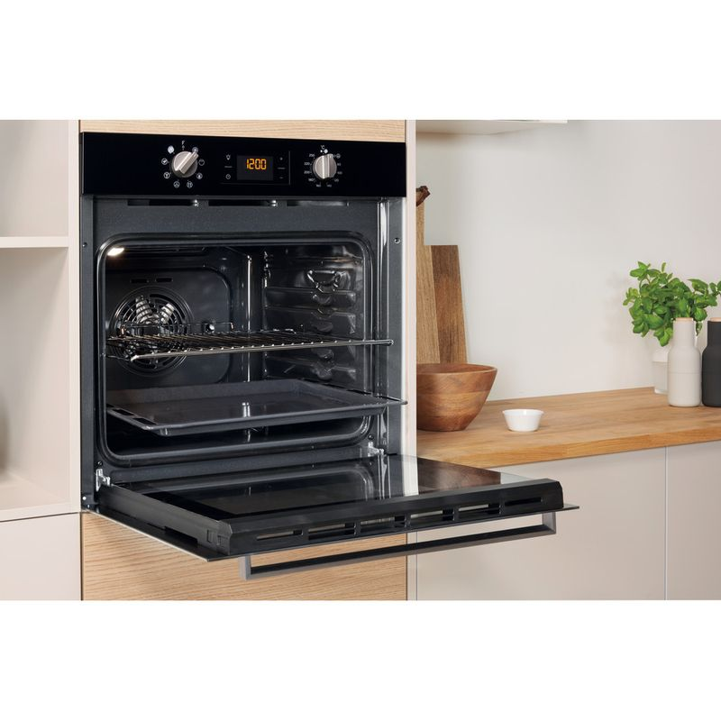 Indesit-OVEN-Built-in-IFW-6340-BL-UK-Electric-A-Lifestyle-perspective-open