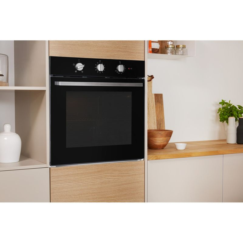 Indesit-OVEN-Built-in-IFW-6330-BL-UK-Electric-A-Lifestyle-perspective