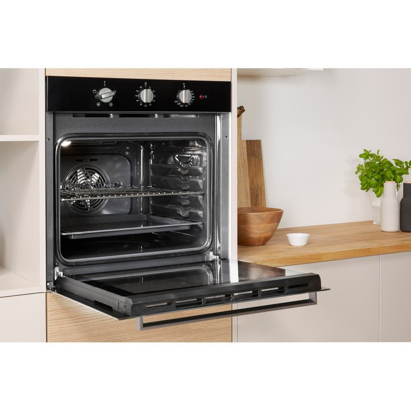 Indesit-OVEN-Built-in-IFW-6330-BL-UK-Electric-A-Lifestyle-perspective-open