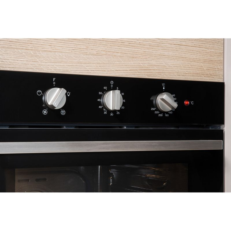 Indesit-OVEN-Built-in-IFW-6330-BL-UK-Electric-A-Lifestyle-control-panel