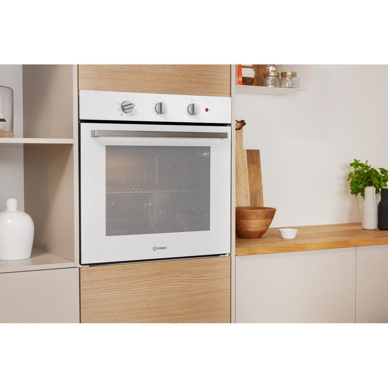 Indesit-OVEN-Built-in-IFW-6330-WH-UK-Electric-A-Lifestyle-perspective