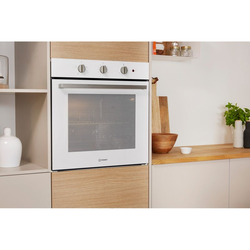 Indesit-OVEN-Built-in-IFW-6230-WH-UK-Electric-A-Lifestyle-perspective