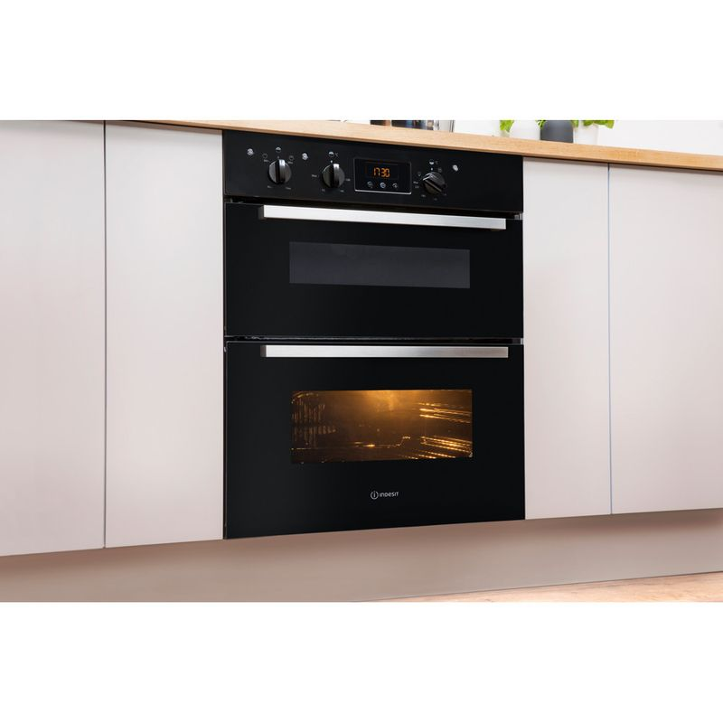 Indesit-Double-oven-IDU-6340-BL-Black-B-Lifestyle-perspective