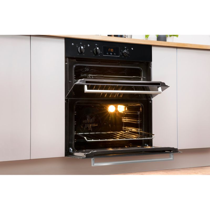 Indesit-Double-oven-IDU-6340-BL-Black-B-Lifestyle-perspective-open