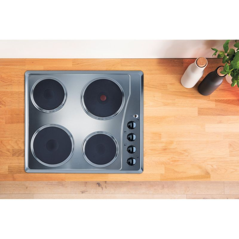 Indesit-HOB-TI-60-X-Inox-Solid-Plate-Lifestyle-frontal