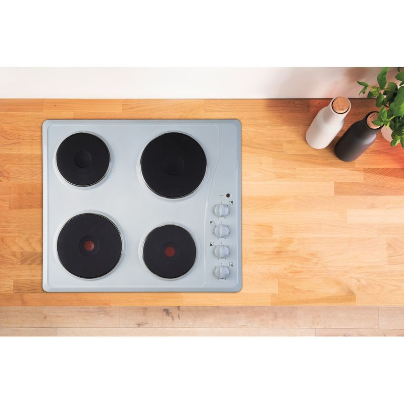 Indesit-HOB-TI-60-W-White-Solid-Plate-Lifestyle-frontal