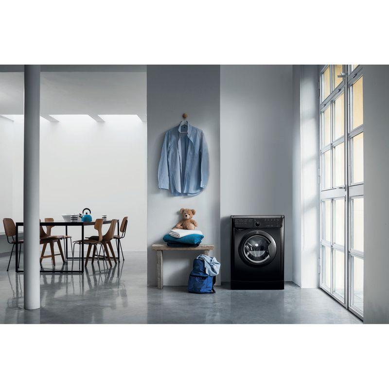 Indesit-Dryer-IDVL-75-BRK.9-UK-Black-Lifestyle_Frontal