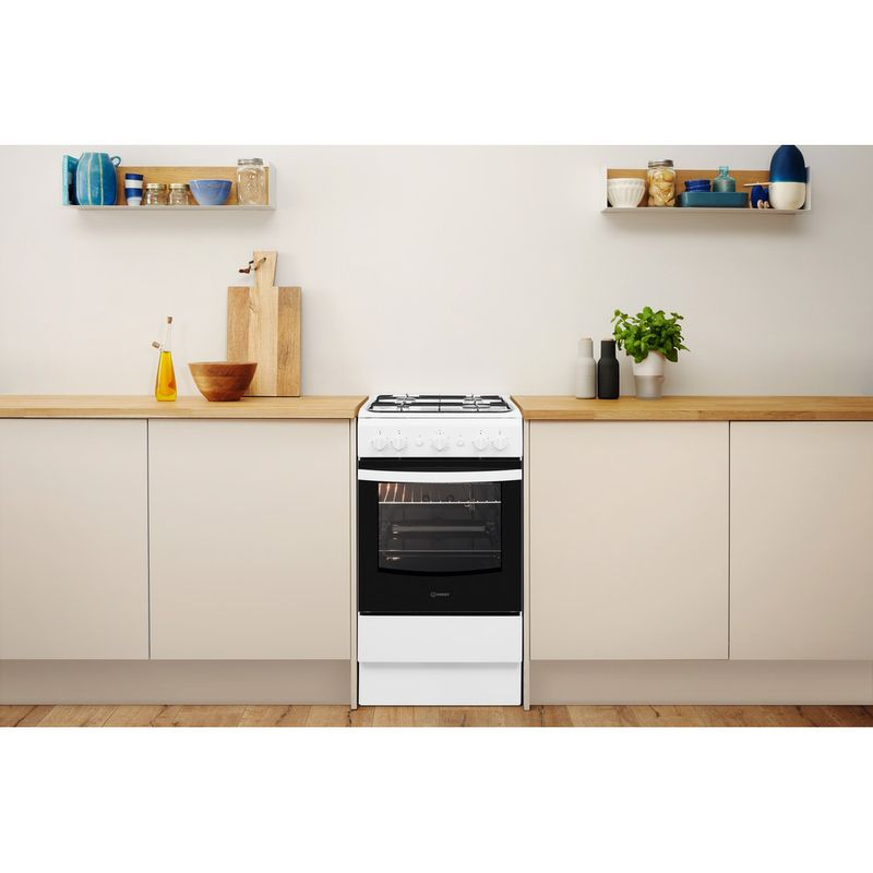 Indesit-Cooker-IS5G1KMW-U-White-GAS-Lifestyle-frontal