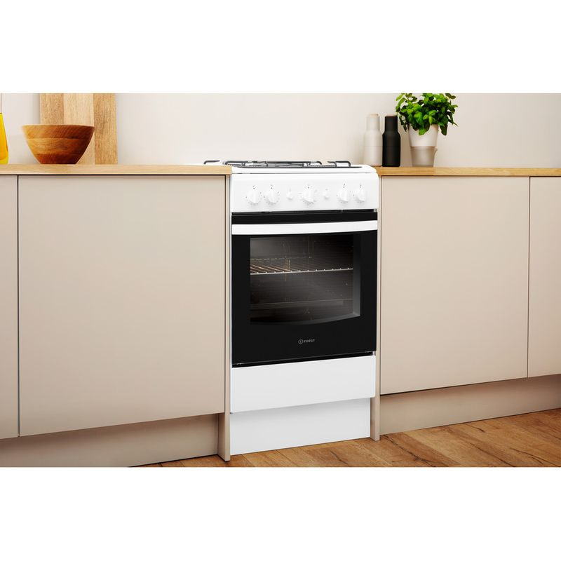 Indesit-Cooker-IS5G1KMW-U-White-GAS-Lifestyle-perspective