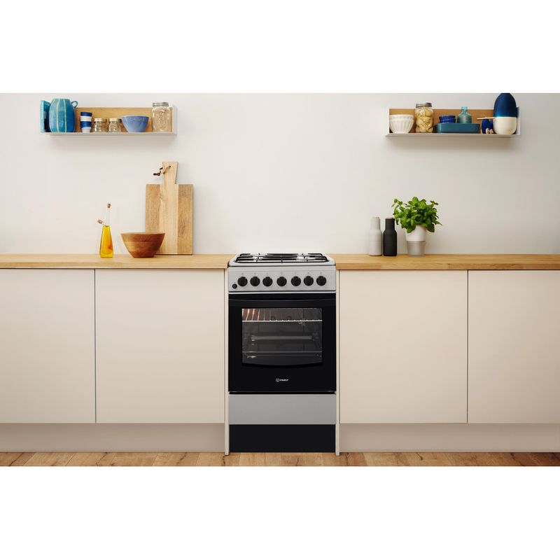 Indesit-Cooker-IS5G4PHSS-UK-Inox-GAS-Lifestyle-frontal