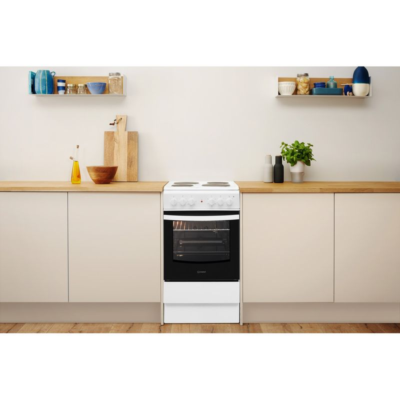 Indesit-Cooker-IS5E4KHW-UK-White-Electrical-Lifestyle-frontal