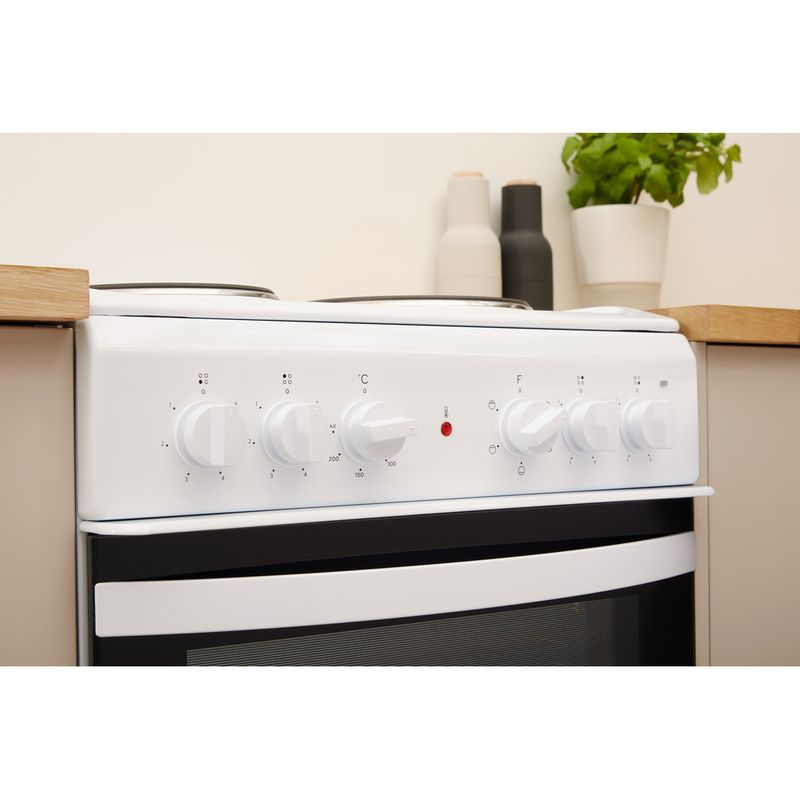 Indesit-Cooker-IS5E4KHW-UK-White-Electrical-Lifestyle-control-panel