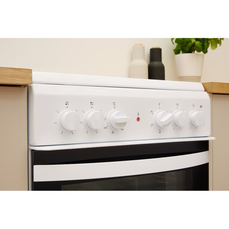 Indesit-Cooker-IS5V4KHW-UK-White-Electrical-Lifestyle-control-panel