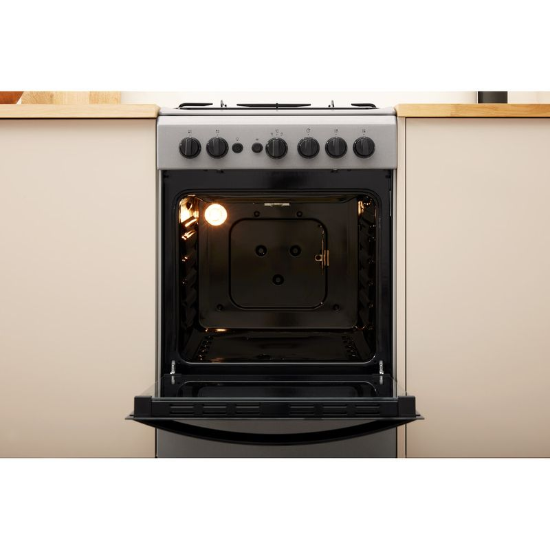 Indesit-Cooker-IS5G1PMSS-UK-Silver-painted-GAS-Lifestyle-frontal-open