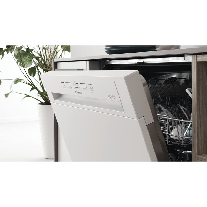 Indesit-Dishwasher-Built-in-DBE-2B19-UK-Half-integrated-F-Lifestyle-control-panel