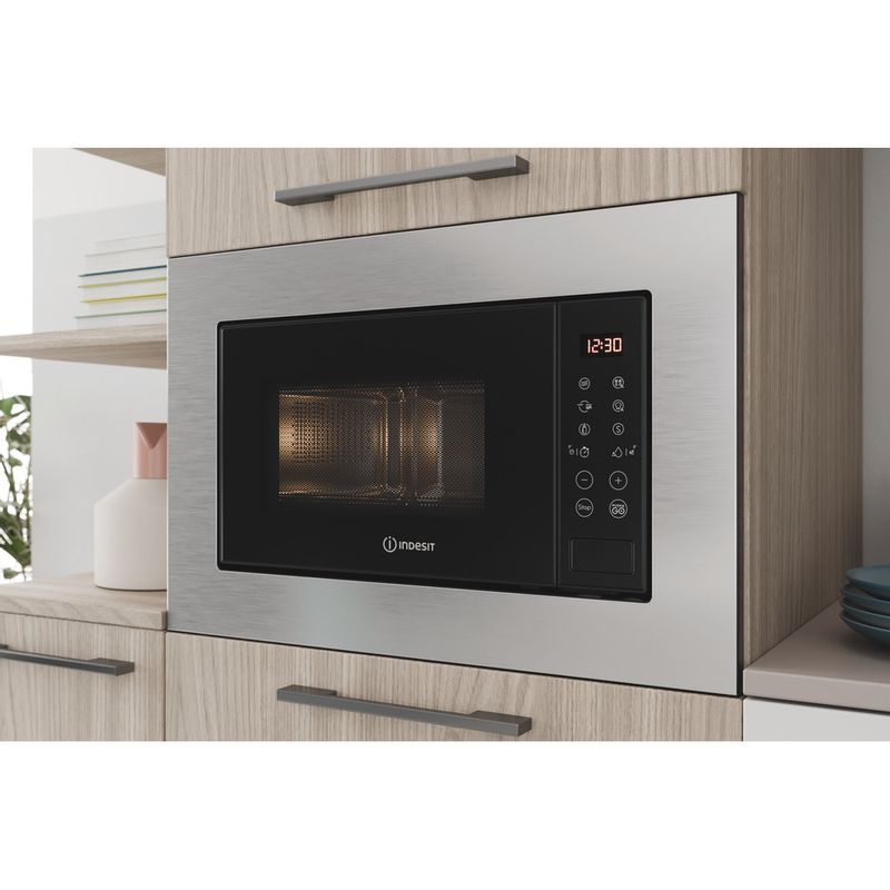 Indesit-Microwave-Built-in-MWI-120-GX-UK-Stainless-steel-Electronic-20-MW-Grill-function-800-Lifestyle-perspective-open