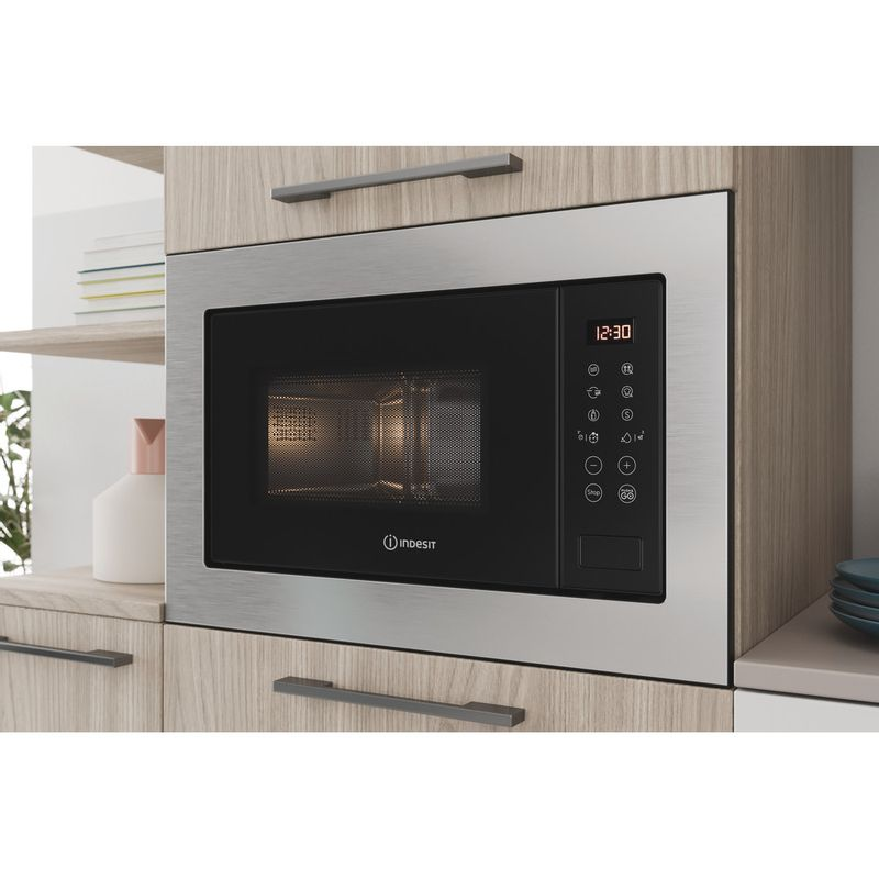 Indesit-Microwave-Built-in-MWI-125-GX-UK-Stainless-steel-Electronic-25-MW-Grill-function-900-Lifestyle-perspective-open