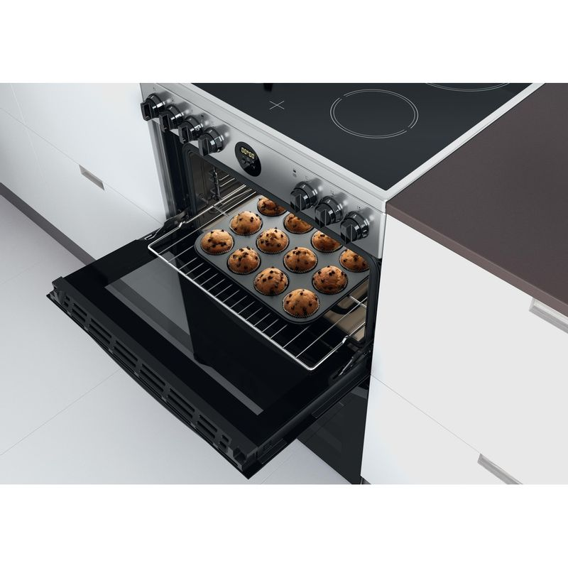 Indesit-Double-Cooker-ID67V9HCX-UK-Inox-A-Lifestyle-perspective-open