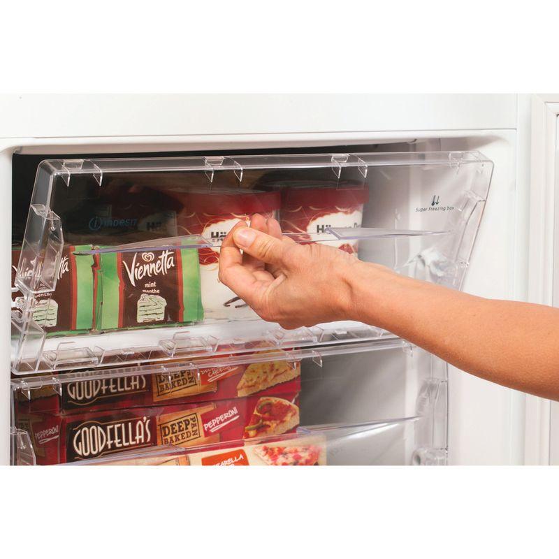 Indesit-Fridge-Freezer-Free-standing-IBD-5515-W-1-White-2-doors-Lifestyle-people