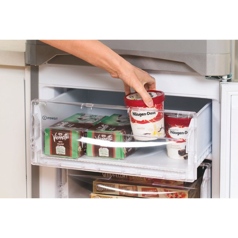 Indesit-Fridge-Freezer-Free-standing-IBD-5517-S-UK-1-Silver-2-doors-Lifestyle-people