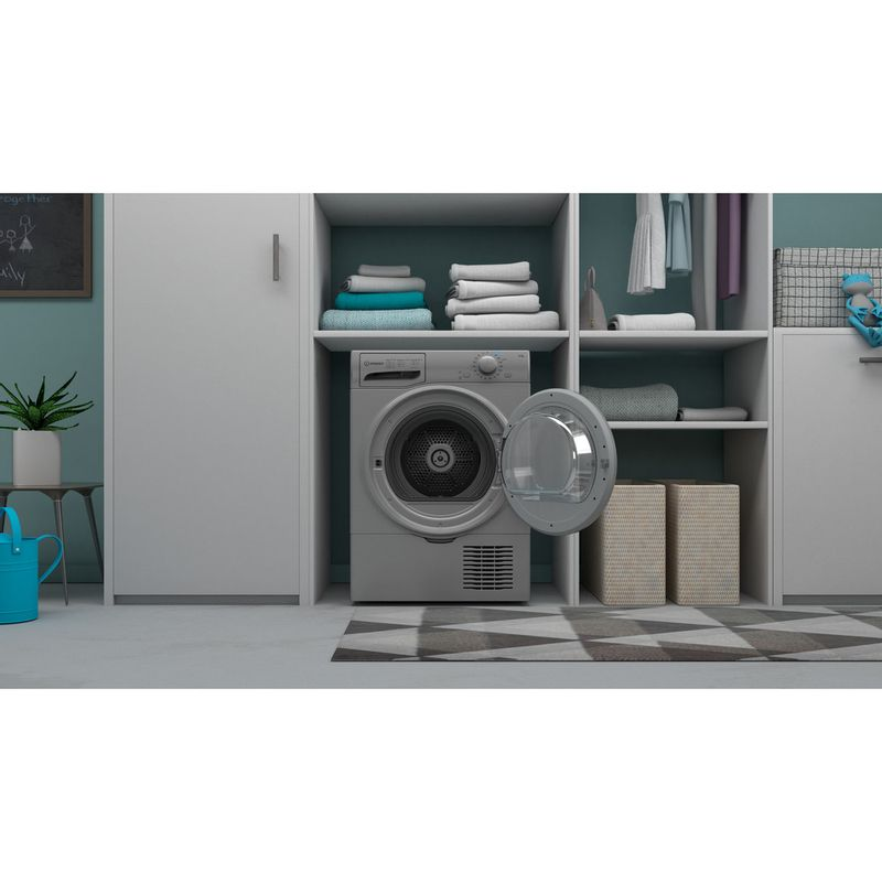 Indesit-Dryer-I2-D81S-UK-Silver-Lifestyle-frontal-open