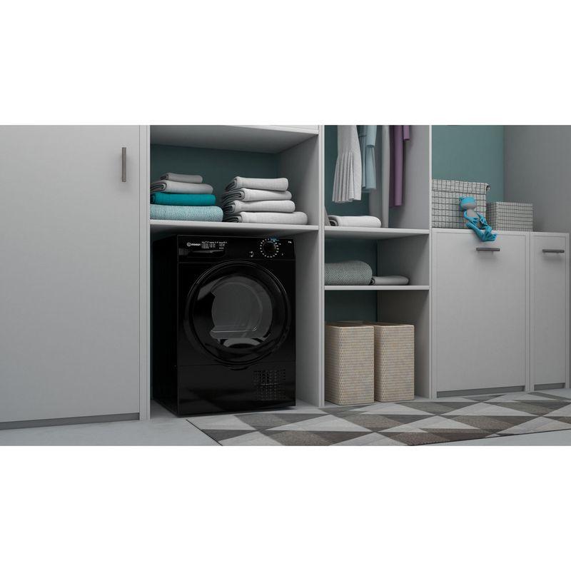 Indesit-Dryer-I2-D81B-UK-Black-Lifestyle-perspective