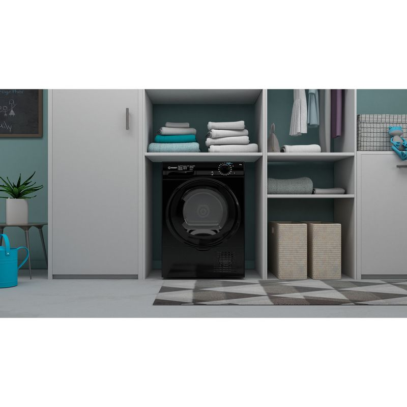 Indesit-Dryer-I2-D81B-UK-Black-Lifestyle-frontal
