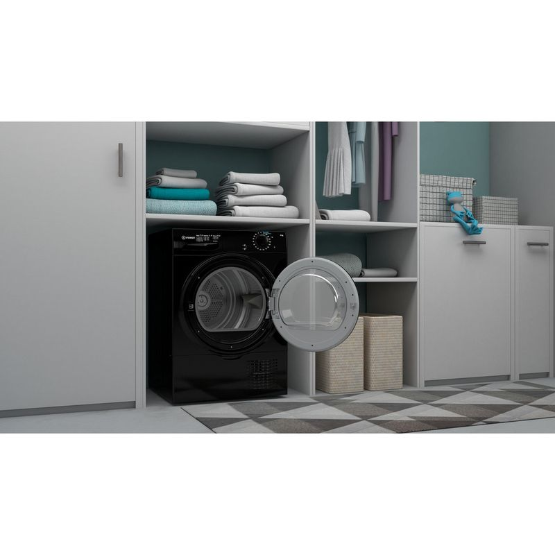 Indesit-Dryer-I2-D81B-UK-Black-Lifestyle-perspective-open