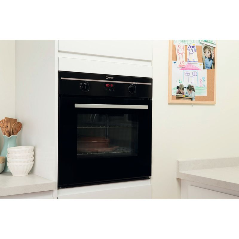 Indesit-OVEN-Built-in-FIM-33-K.A--BK--GB-Electric-A-Lifestyle_Perspective