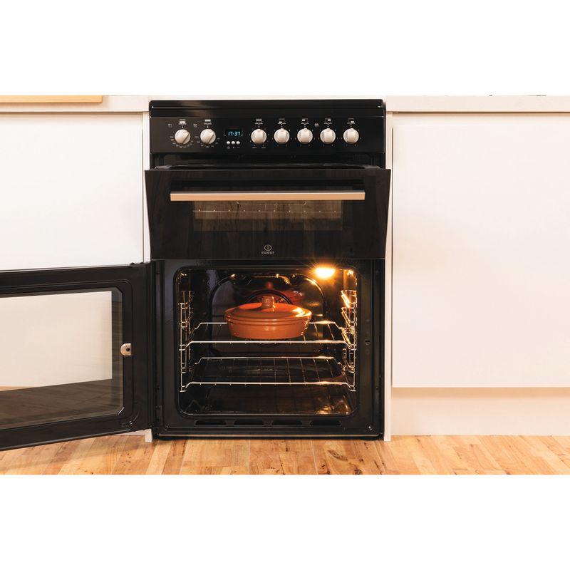 Indesit-Double-Cooker-DD60C2C-K--UK-Black-B-Vitroceramic-Lifestyle_Frontal_Open