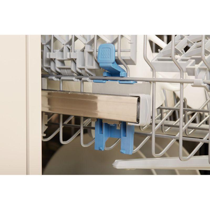 Indesit-Dishwasher-Free-standing-DSR-15B1-UK-Free-standing-A-Lifestyle-detail